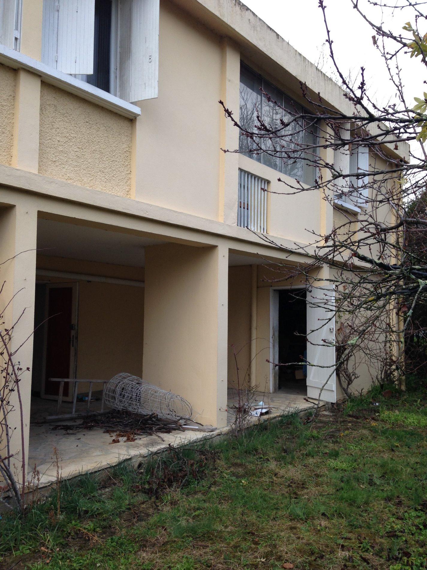 Interesting la terrasse maison familiale type au calme for Maison familiale toulouse